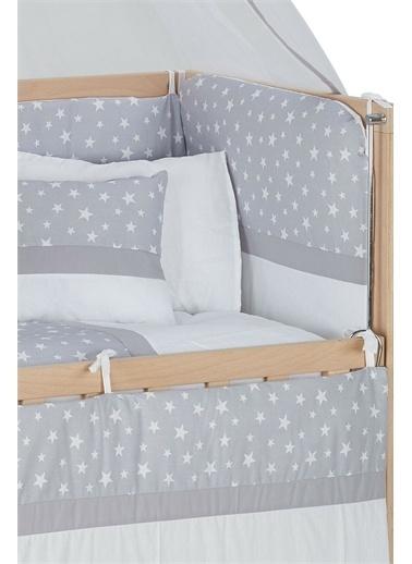Babycom Naturel Ahşap Boyasız Anne Yanı Beşik 50 X 90 - Tekerlekli - 4 Kademeli Beşik + Kahve Zikzak Uyku Seti Gri